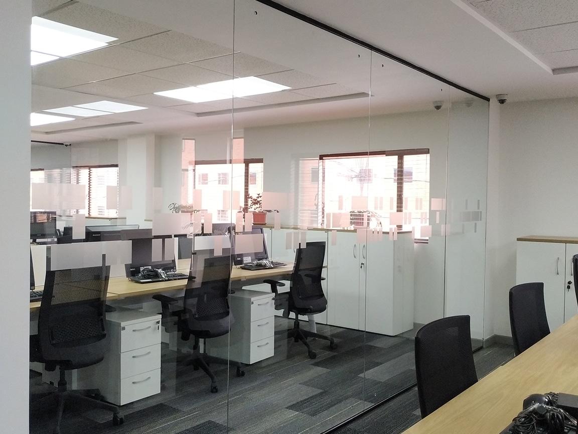 gluckmond - divisiones para oficina