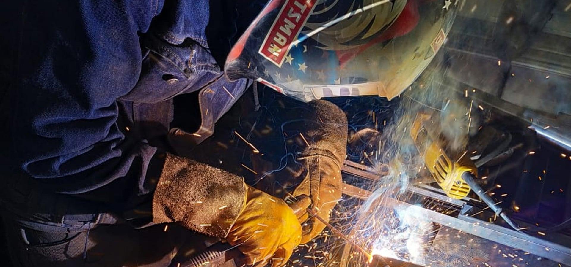 soldador de estructuras metalicas